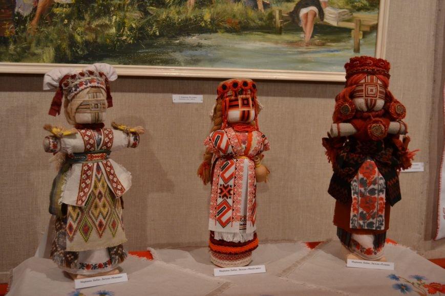 В Музее истории Днепродзержинска открылась выставка украинской вышивки, фото-11