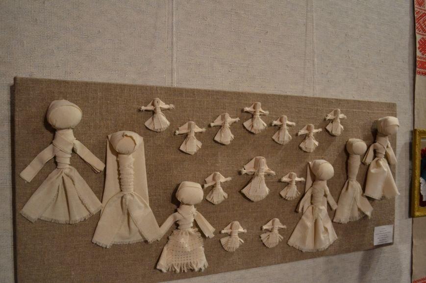 В Музее истории Днепродзержинска открылась выставка украинской вышивки, фото-13
