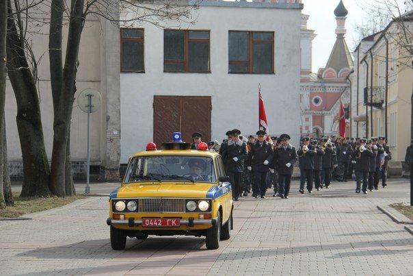 В Гродно накануне Дня белорусской милиции прошел парад (фоторепортаж) (фото) - фото 14