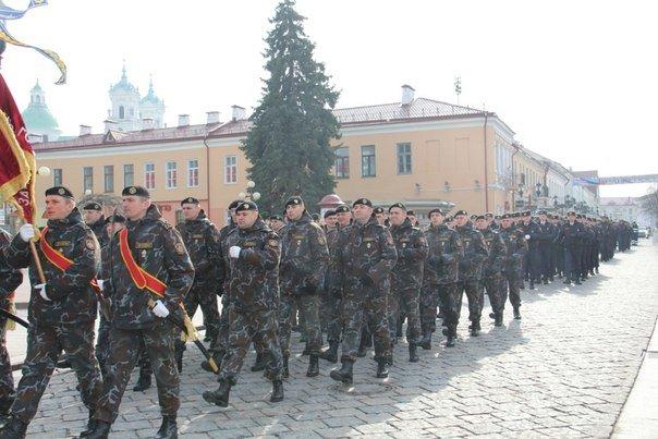 В Гродно накануне Дня белорусской милиции прошел парад (фоторепортаж) (фото) - фото 3
