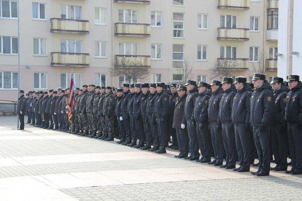В Гродно накануне Дня белорусской милиции прошел парад (фоторепортаж) (фото) - фото 4