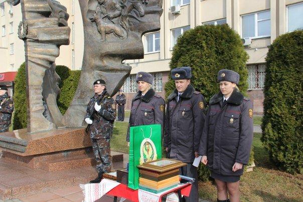 В Гродно накануне Дня белорусской милиции прошел парад (фоторепортаж) (фото) - фото 8