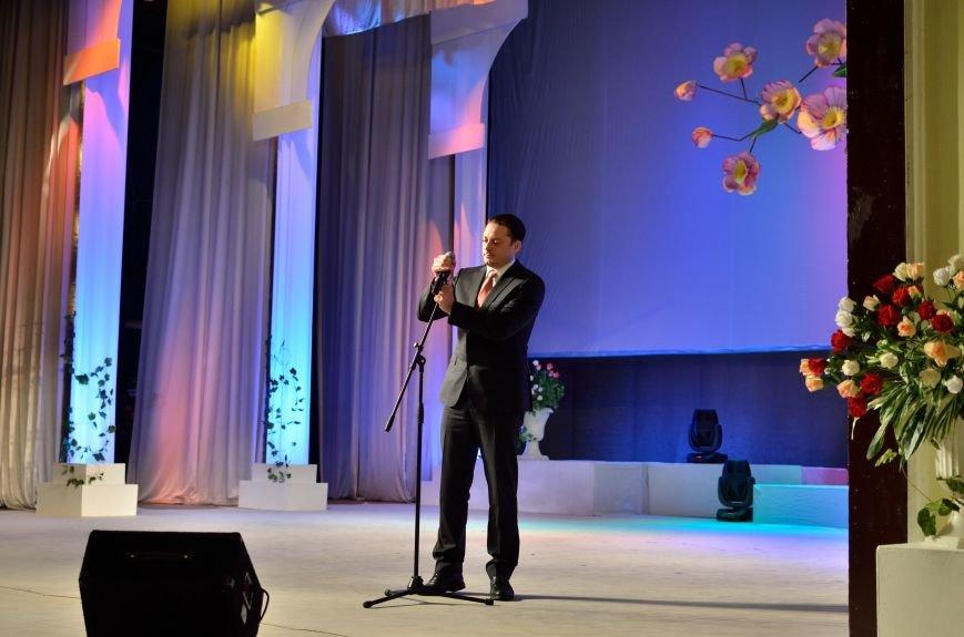 Прекрасную половину Днепродзержинска поздравили с 8 Марта, фото-6