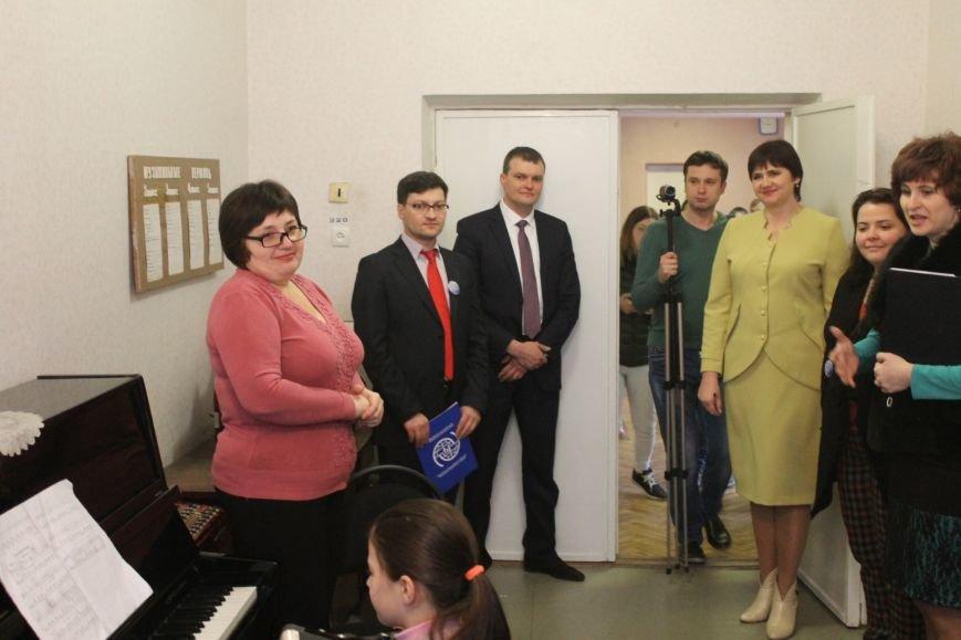 В Добропольской музыкальной школе состоялось открытие восстановленного актового зала, фото-7