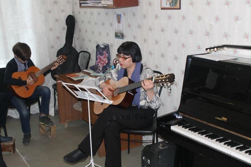 В Добропольской музыкальной школе состоялось открытие восстановленного актового зала, фото-9