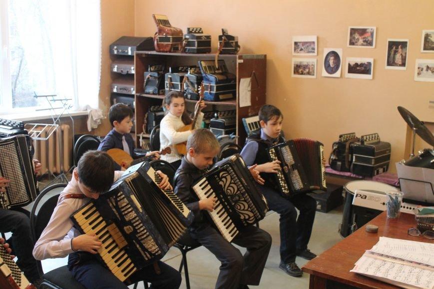 В Добропольской музыкальной школе состоялось открытие восстановленного актового зала, фото-5