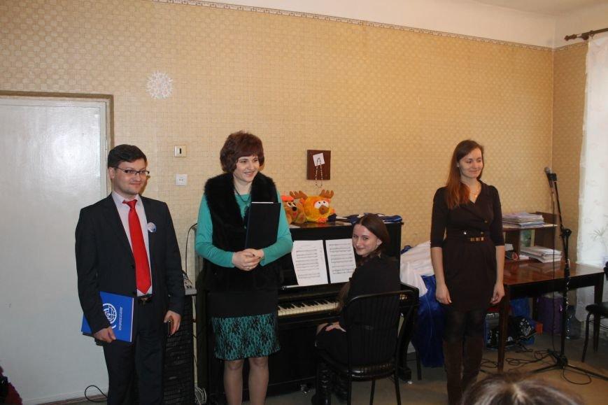 В Добропольской музыкальной школе состоялось открытие восстановленного актового зала, фото-11
