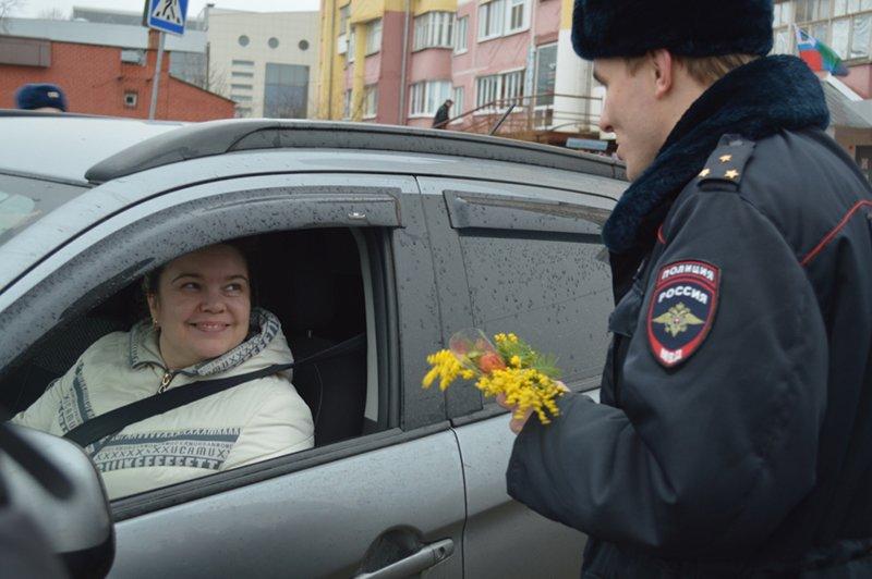 Белгородские инспекторы ГИБДД вышли в праздничный рейд (фото) - фото 1