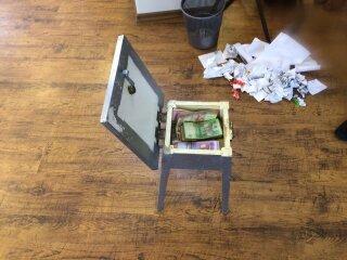 В Днепропетровской области валютчики прикрывались брендом известного банка (ФОТО) (фото) - фото 2