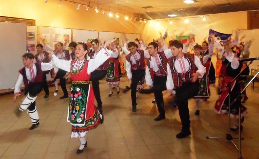 Дни болгарской культуры в Бердянске завершились праздничным концертом (фото) - фото 15
