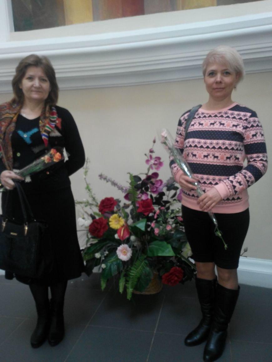 Женщин Авдеевки поздравили с 8 марта на областном праздничном мероприятии (фото) - фото 1