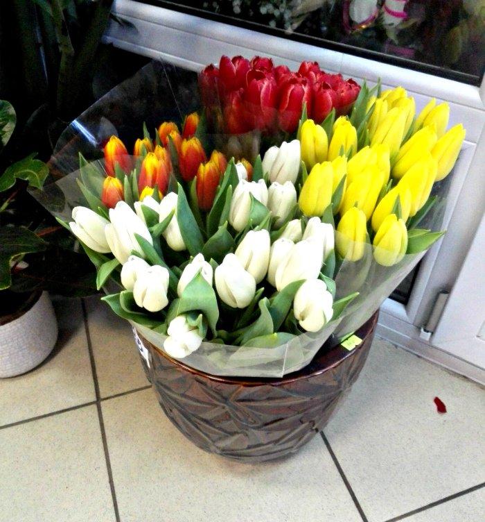 Покупаем цветы к 8 марта. Сколько стоят розы и тюльпаны в Новополоцке и Полоцке, фото-3