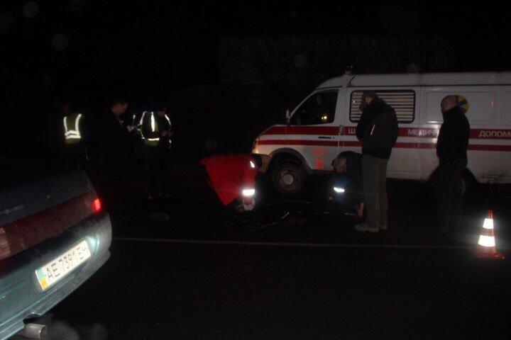 ДТП в Днепропетровске: авария с полицией, фура сбила мужчину и лобовое двух иномарок (ФОТО) (фото) - фото 1