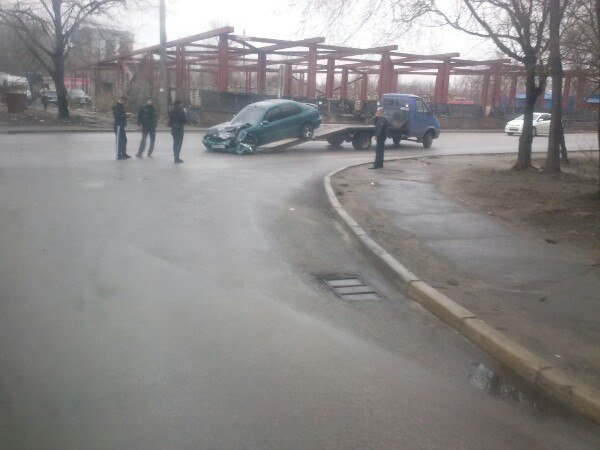 ДТП в Днепропетровске: авария с полицией, фура сбила мужчину и лобовое двух иномарок (ФОТО) (фото) - фото 2