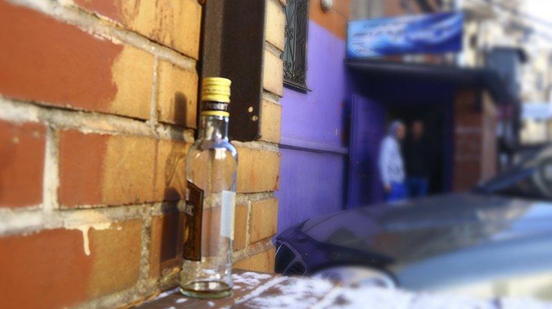Полицейские Мариуполя изъяли алкогольную продукцию на сумму свыше 25 тыс. грн., фото-1