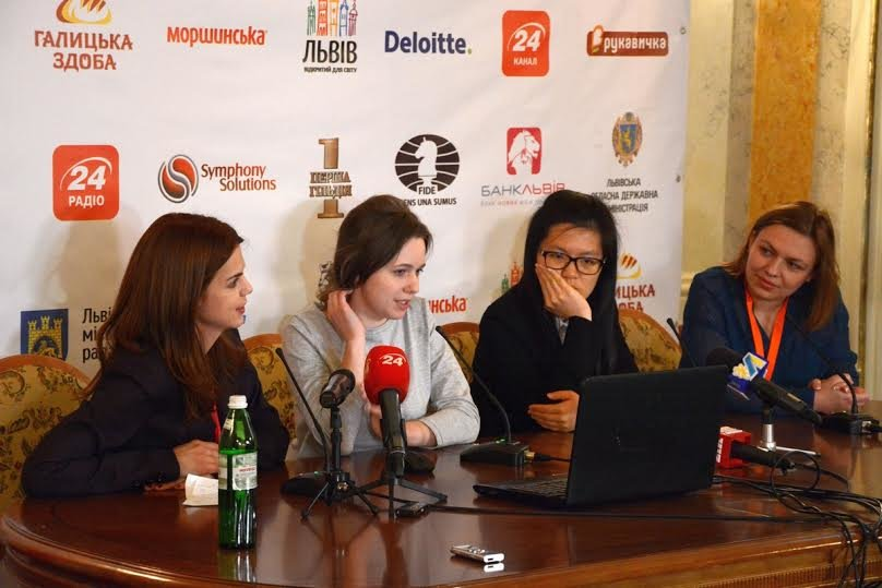 У третій шаховій партії на Чемпіонаті світу серед жінок, Музичук та Іфань розписали мирову (ФОТО), фото-3