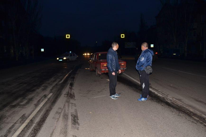 В Кривом Роге в результате тройного ДТП  «Skodа» влетела в остановку с людьми (ФОТО), фото-24
