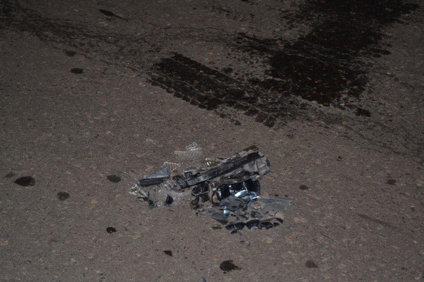В Кривом Роге в результате тройного ДТП  «Skodа» влетела в остановку с людьми (ФОТО), фото-16