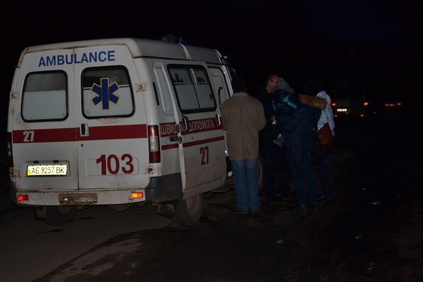 В Кривом Роге в результате тройного ДТП  «Skodа» влетела в остановку с людьми (ФОТО), фото-10