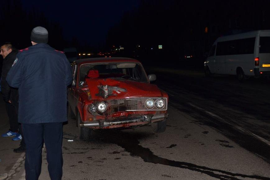 В Кривом Роге в результате тройного ДТП  «Skodа» влетела в остановку с людьми (ФОТО), фото-11