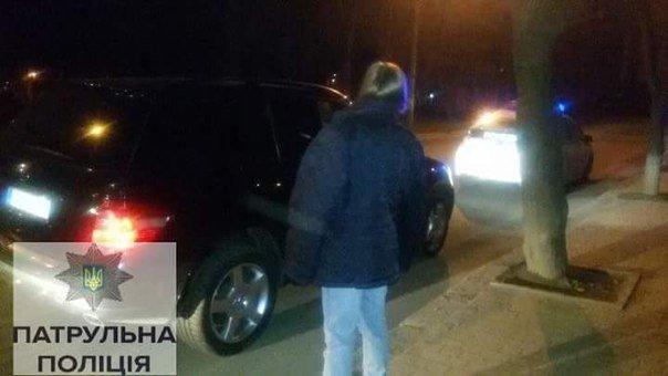 У Франківську п'яна дівчина без водійського посвідчення кермувала іномаркою (ФОТО) (фото) - фото 1