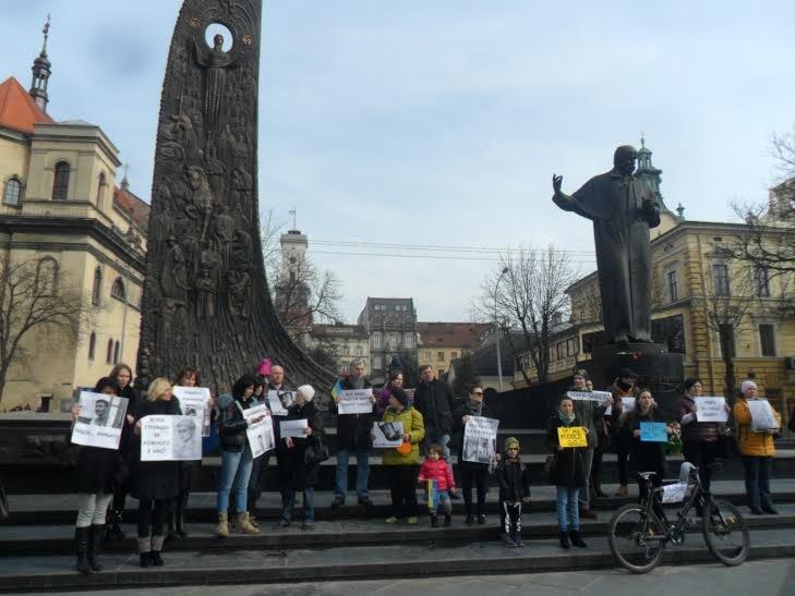 """""""Надіє, живи!"""": львів'яни вийшли на підтримку Надії Савченко (ФОТО), фото-4"""