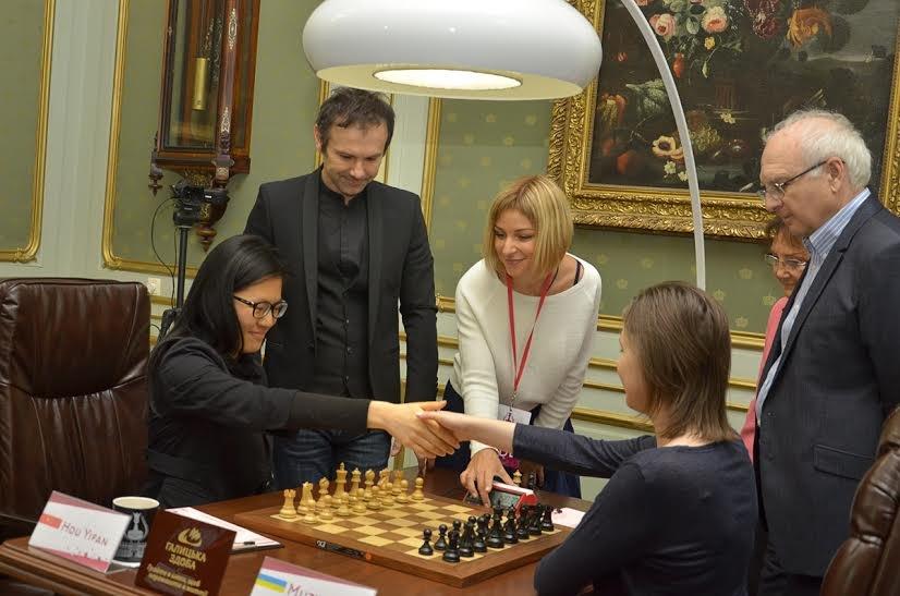 Святослав Вакарчук разом із своїм батьком завітали на Чемпіонат світу з шахів серед жінок (ФОТО), фото-2