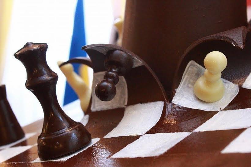 У Львові створили гігантську фігуру шахової королеви (ФОТО), фото-2