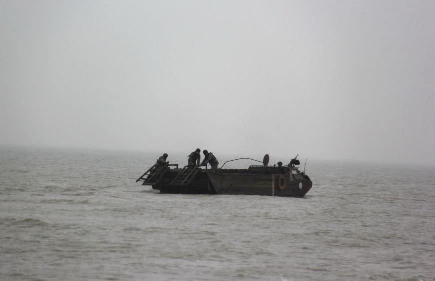 В акватории Азовского моря возле Мариуполя провели учения (ФОТО) (фото) - фото 1