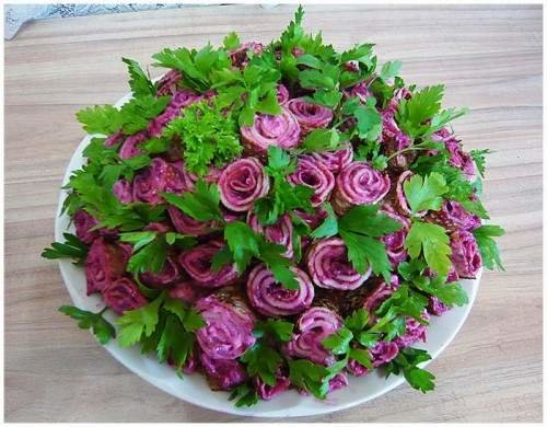 Макеевчанкам к празднику: топ-10 салатов-цветов (фото) - фото 2