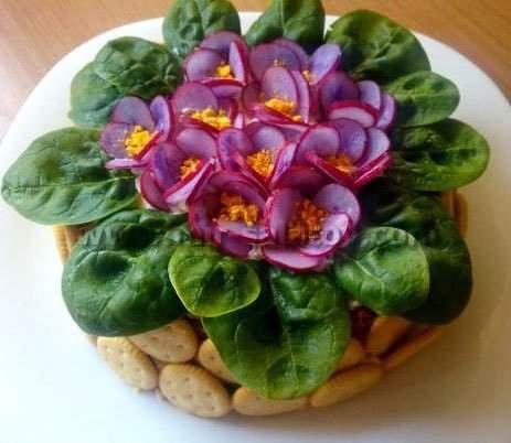 Макеевчанкам к празднику: топ-10 салатов-цветов (фото) - фото 3