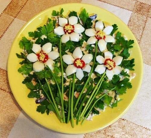 Макеевчанкам к празднику: топ-10 салатов-цветов (фото) - фото 9