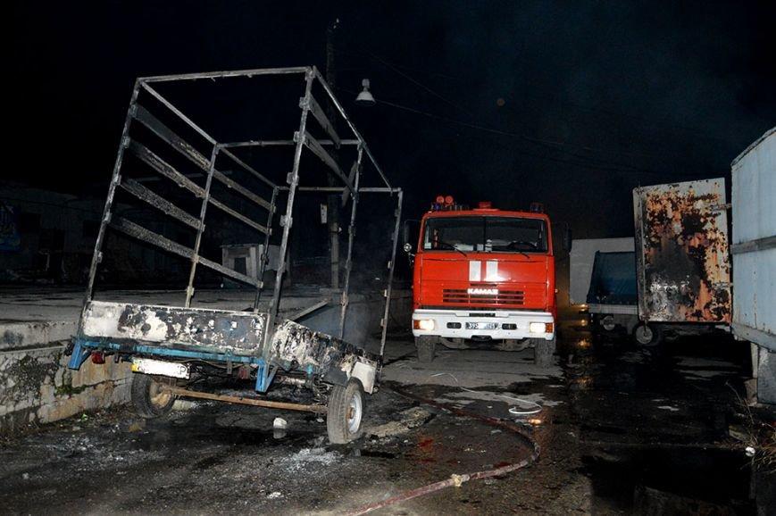 Ночью в Днепропетровске случился большой пожар (ФОТО, ВИДЕО) (фото) - фото 2