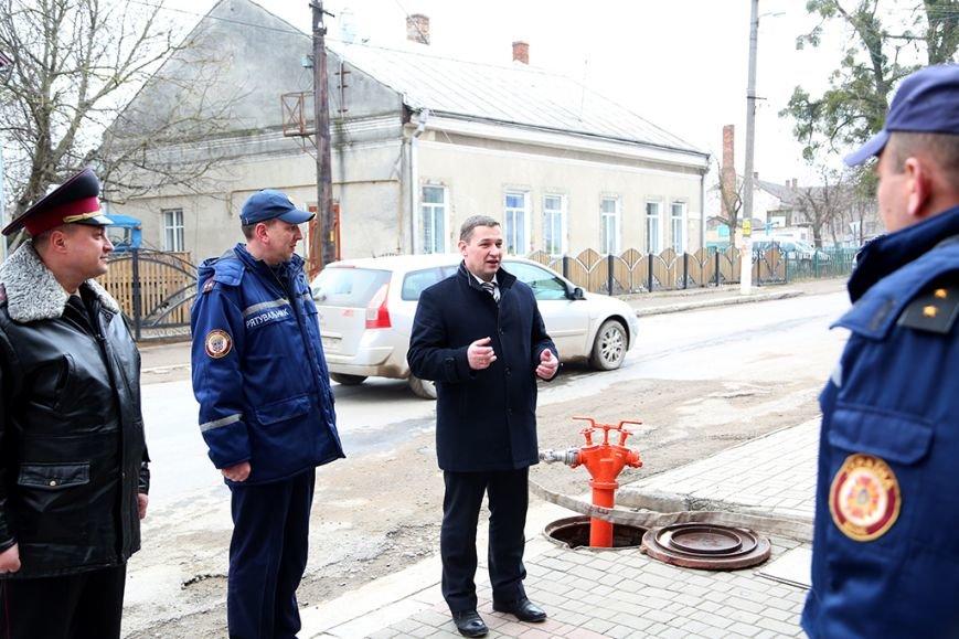 Рятувальники Монастириського району отримали спецвзуття від нардепа Миколи Люшняка (фото) - фото 1