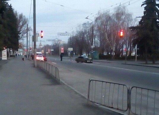 Возле гостиницы «Днепропетровск» столкнулись Audi и Lanos, а маршрутка № 22 врезалась в легковушку (фото) - фото 4