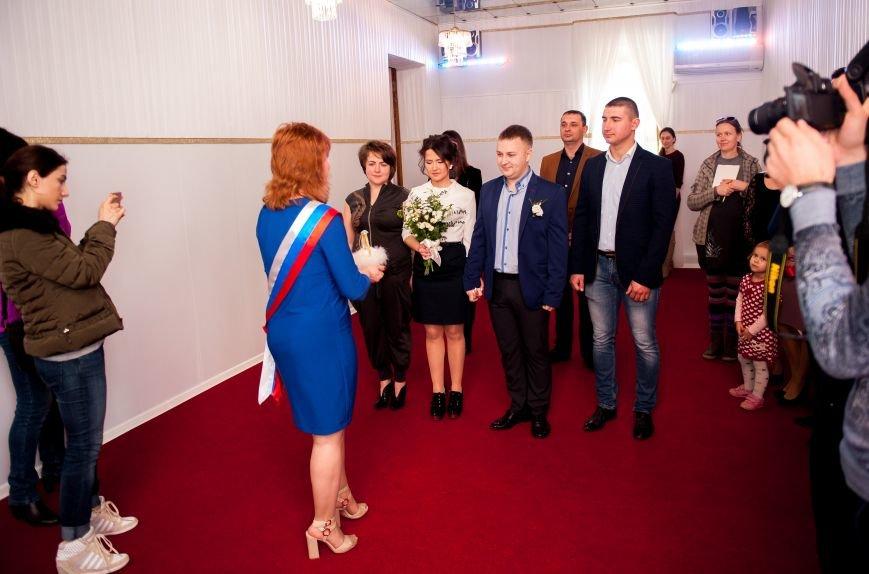 В ялтинском ЗАГСе зал для торжественных церемоний стал нарядным и современным, фото-6