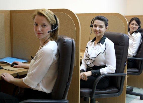А ви знаєте, хто розмовляє з вами, коли ви дзвоните в поліцію? (ФОТО) (фото) - фото 2