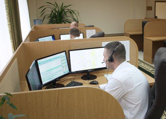 А ви знаєте, хто розмовляє з вами, коли ви дзвоните в поліцію? (ФОТО) (фото) - фото 4