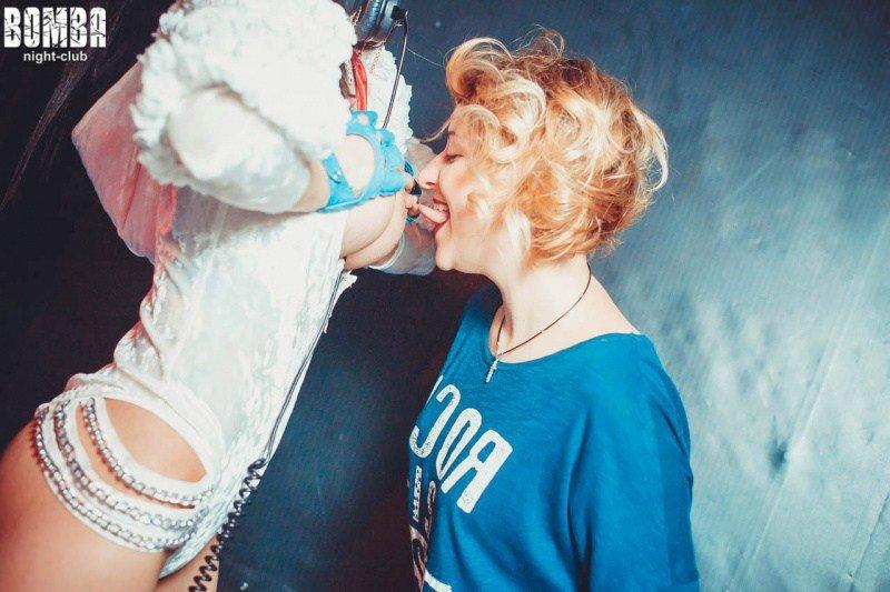 В одному з нічних клубів Тернополя пропагують розпусту та вульгарність (Фото) (фото) - фото 1