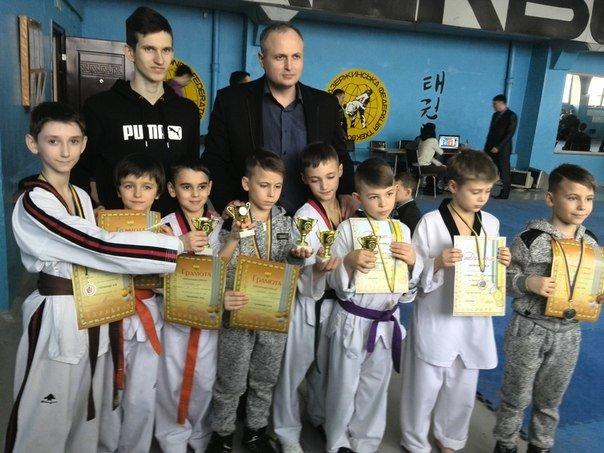 Днепродзержинские тхеквондисты провели чемпионат города (фото) - фото 5