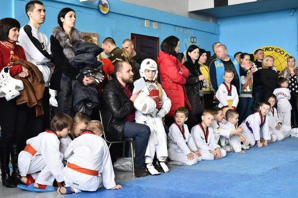 Днепродзержинские тхеквондисты провели чемпионат города (фото) - фото 3