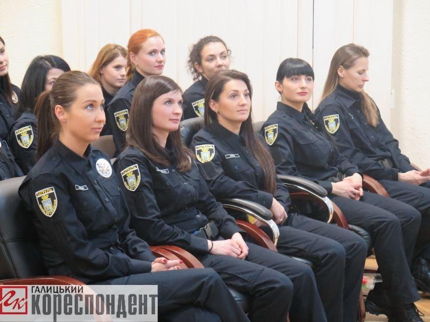 Франківські патрульні привітали полісменок з жіночим святом (ФОТО,ВІДЕО), фото-4
