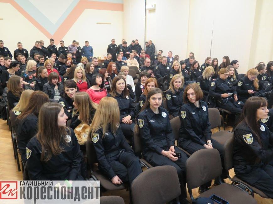 Франківські патрульні привітали полісменок з жіночим святом (ФОТО,ВІДЕО), фото-1