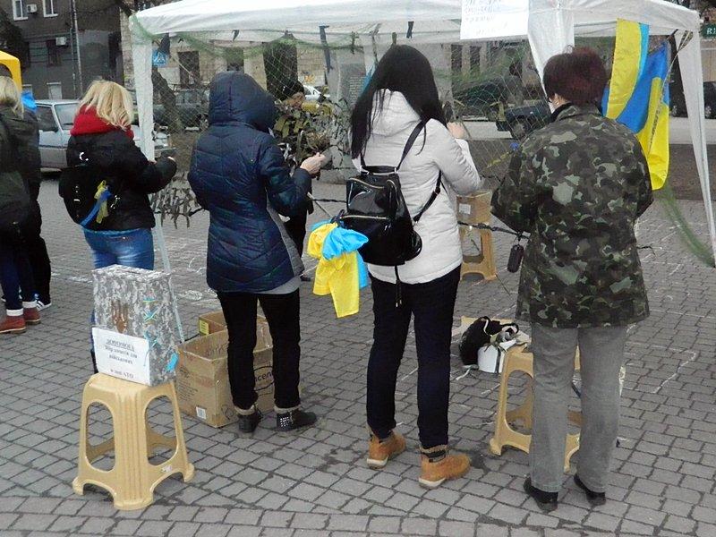 В помощьВ помощь  запорожским артиллеристам устроили ярмарку с 10 тысячами вареников (ФОТО) (фото) - фото 1