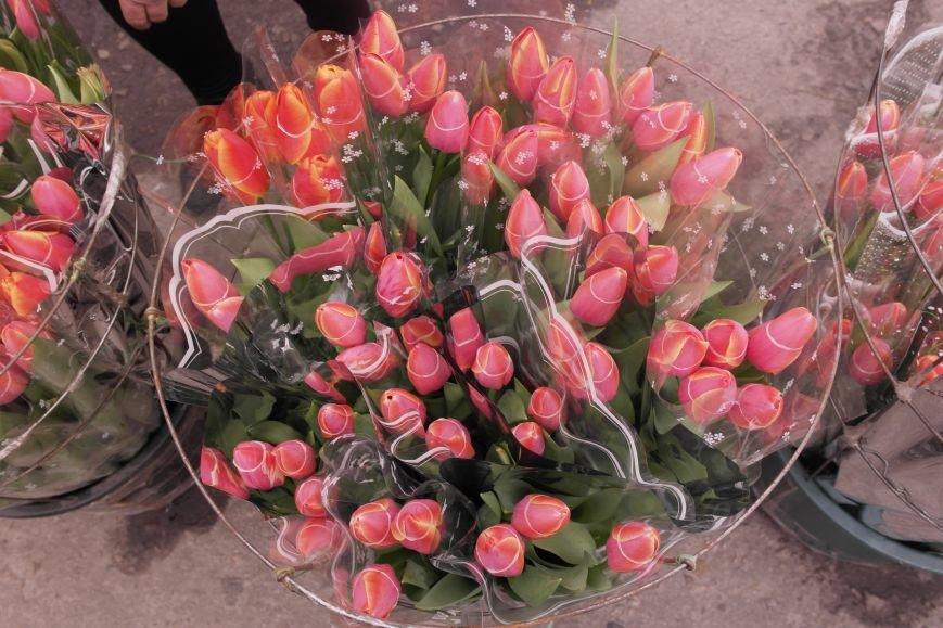 В Красноармейске начался цветочный бум! Во сколько мужчинам обойдутся улыбки любимых в праздник?, фото-3