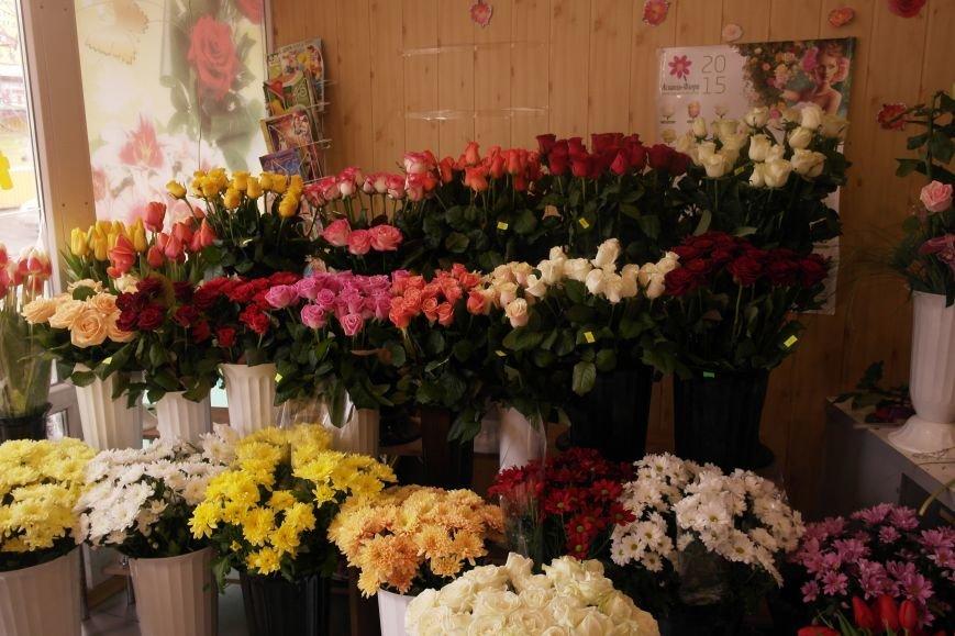 В Красноармейске начался цветочный бум! Во сколько мужчинам обойдутся улыбки любимых в праздник?, фото-17