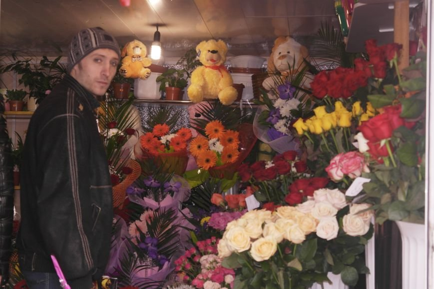 В Красноармейске начался цветочный бум! Во сколько мужчинам обойдутся улыбки любимых в праздник?, фото-13