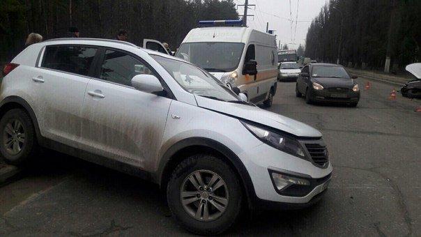 В Харькове столкнулись две иномарки: есть пострадавшие (ФОТО) (фото) - фото 1
