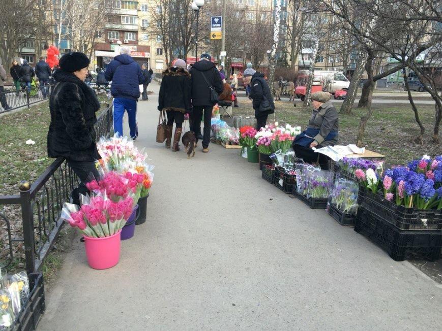 Во сколько обойдется криворожским мужчинам букет цветов к 8 марта для бесценной женщины?   (ФОТО), фото-37