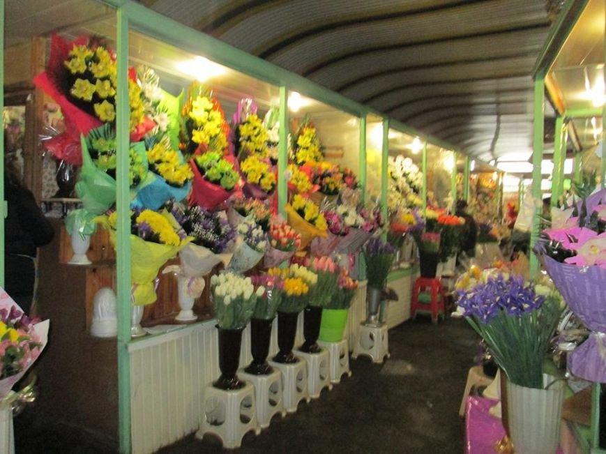 В Одессе продавцы цветов «заломили» цены, фото-4